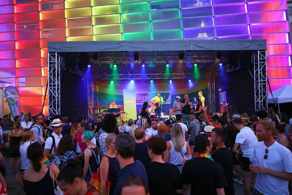 Bühnenüberdachung Bühnenbau Bühnendach Linz ARS Electronica